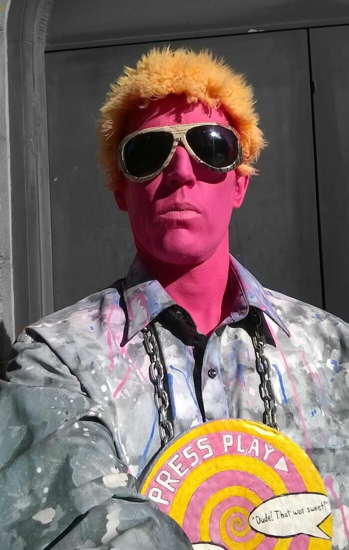 PINK MAN FU the street performer